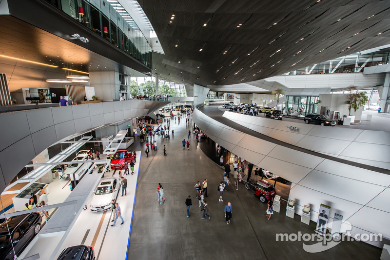 BMW Welt iç mekanı