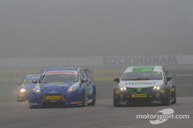 Fabrizio Giovanardi, Airwaves Racing and Simon Belcher, Handy Motorsport