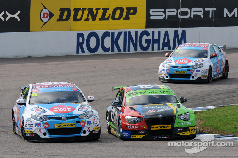 Colin Turkington, eBay Motors ve Sam Tordoff MG KX Clubcard Fuel Save