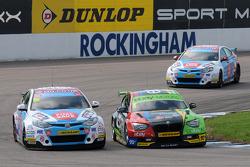 Colin Turkington, eBay Motors ve Sam Tordoff MG KX Clubcard Fuel Save