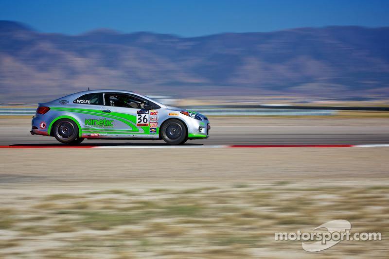 #36 Kinetic Motorsports 起亚 Forte Koup: Jason Wolfe