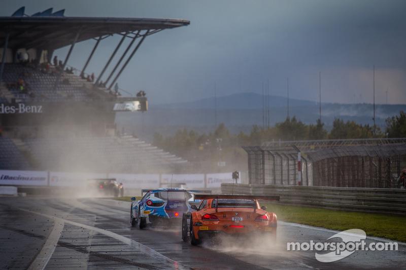 #888 Triple 888 Racing BMW Z4: Jody Firth, Warren Hughes, Alexander Sims