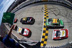 起步: Kevin Harvick, Stewart-Haas雪佛兰车队 ,领先