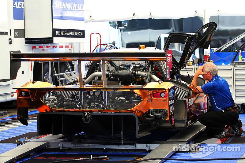 #60 Michael Shank Racing 和 Curb/Agajanian 福特 EcoBoost/Riley