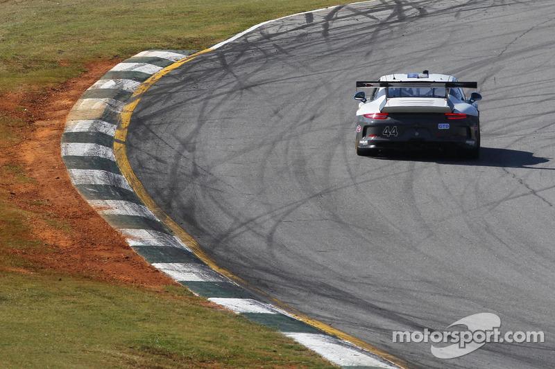 #44 Magnus Racing 保时捷 911 GT America: 约翰·波特, 安迪·拉利, 马可·泽弗里德