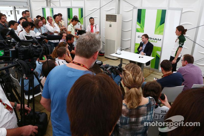 Dr. Manfredi Ravetto, Caterham F1 Takım Patronu ve medya