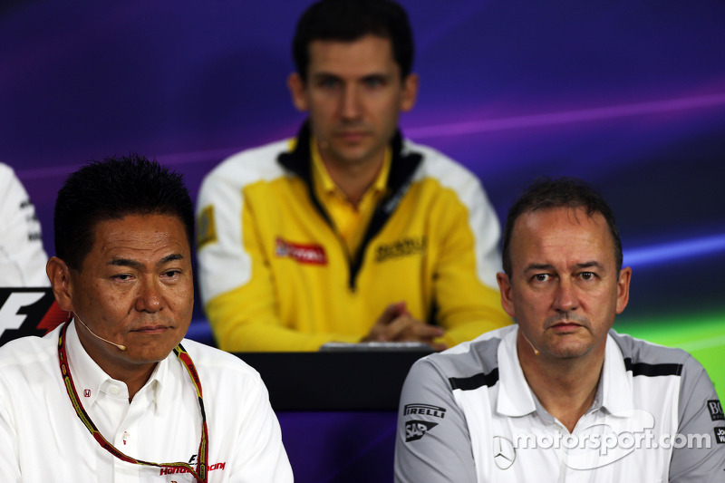 (L to R): Yasuhisa Arai, Honda Motorsport Chief Officer with Jonathan Neale, McLaren Chief Operating Officer in the FIA Press Conference