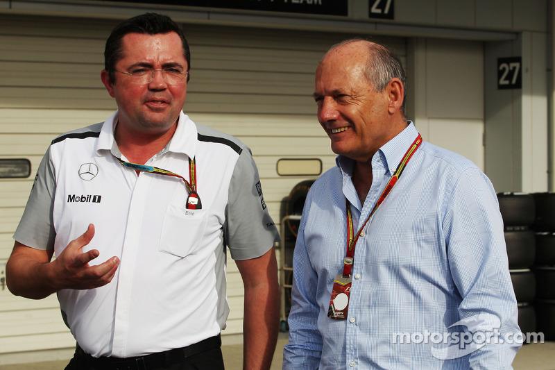Ron Dennis (Kanan), Ketua Eksekutif Mclaren bersama Eric Boullier (Kiri), Direktur McLaren Racing