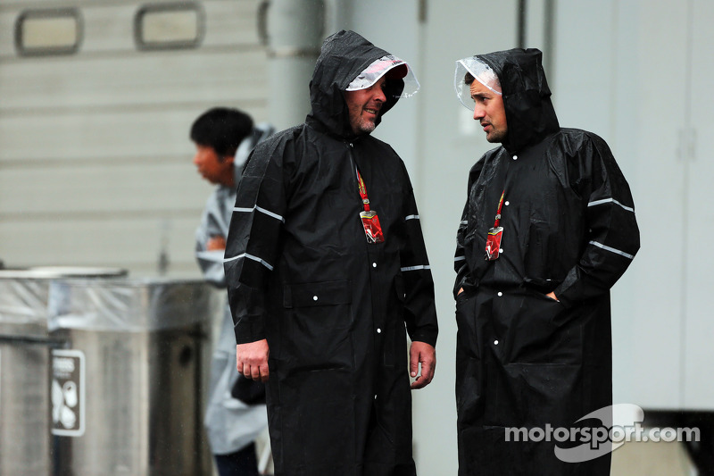 (L to R): Jason Swales, NBC Sports Network and Will Buxton, NBC Sports Network TV Presenter in a wet