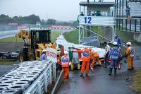 Adrian Sutil, Sauber F1 Team, am Unfallort von Jules Bianchi, Marussia F1 Team