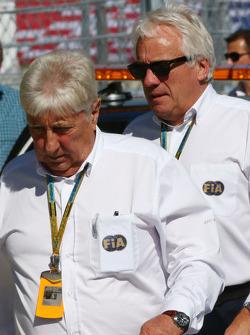 (Da sinistra a destra): Herbie Blash, Delegato FIA e Charlie Whiting, Delegato FIA