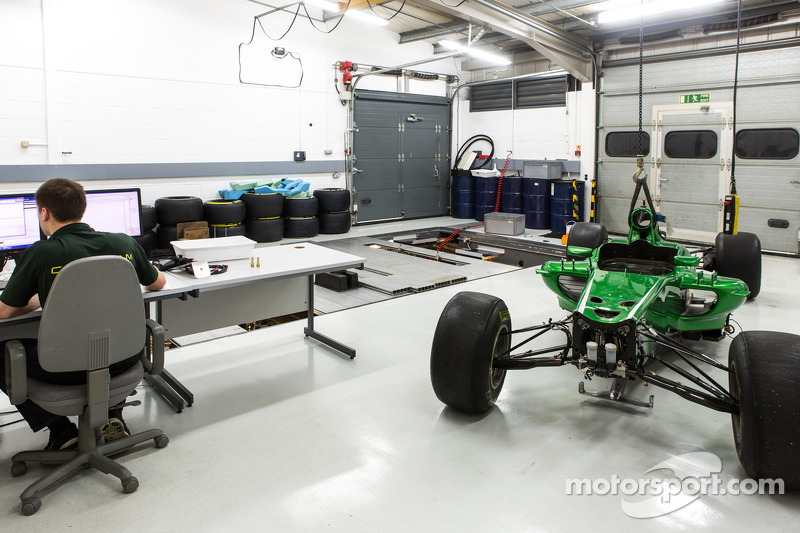 Tour of Caterham F1 Team's Leafield factory