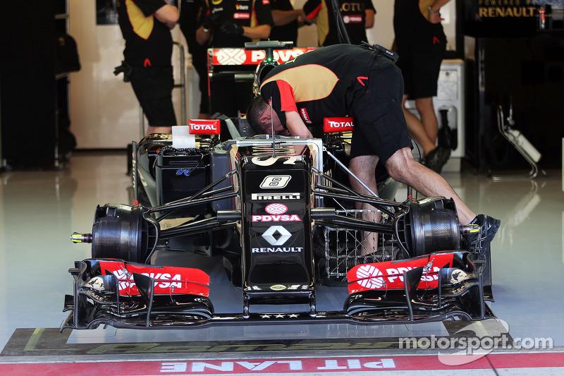 La Lotus F1 E22 di Romain Grosjean, Lotus F1 E22 con una nuova ala anteriore