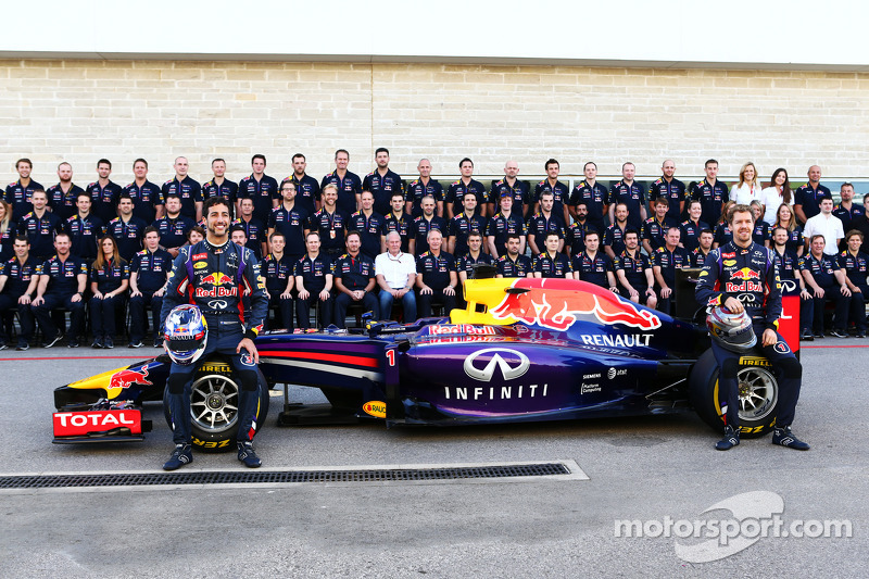(L to R): Daniel Ricciardo, Red Bull Racing and team mate Sebastian Vettel, Red Bull Racing at a tea