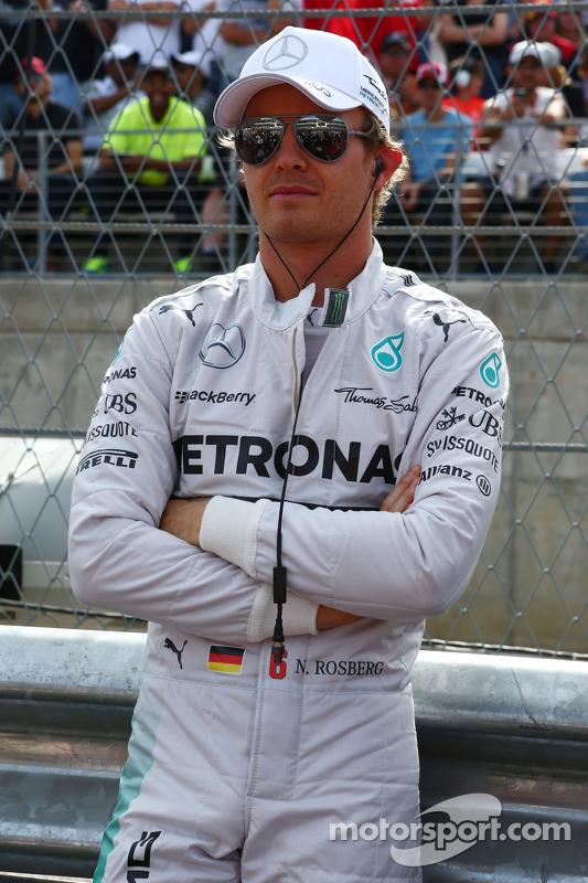 Nico Rosberg, da Mercedes AMG F1, no grid