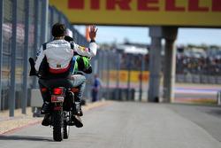 Adrian Sutil, Sauber si ritira dalla gara