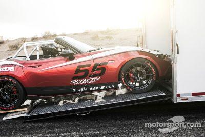 Mazda revela a 2016 Global MX-5 Cup