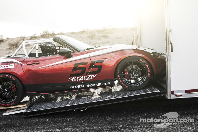 Mazda unveils 2016 Global MX-5 Cup