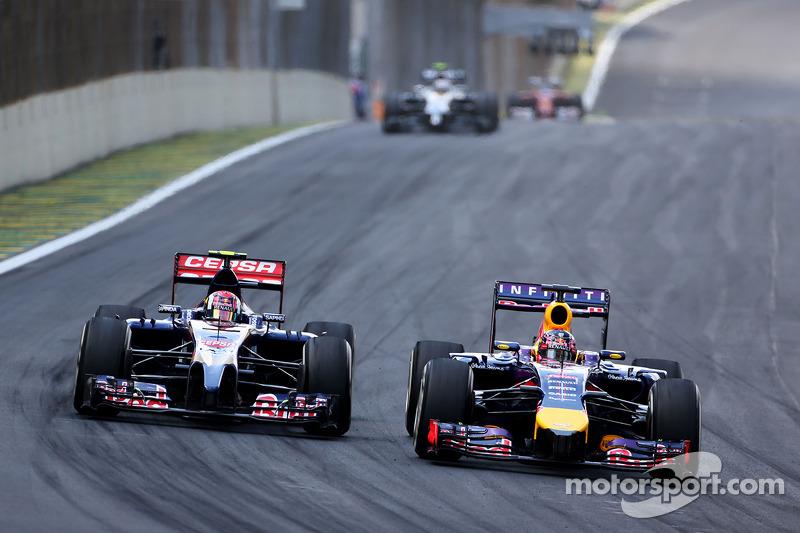 Daniil Kvyat, Scuderia Toro Rosso ve Sebastian Vettel, Red Bull Racing
