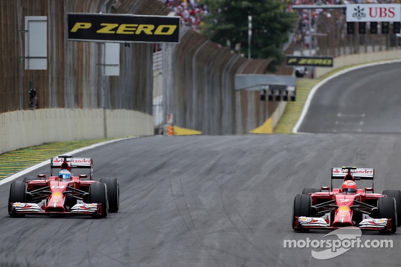 Fernando Alonso, Scuderia Ferrari, y Kimi Raikkonen, Scuderia Ferrari