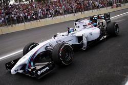 üçüncü sıra Felipe Massa, Williams FW36 yarış sonunda kutlama yapıyor