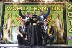 Campeões: Erica Enders-Stevens, Andrew Hines, Tony Schumacher, Matt Hagan