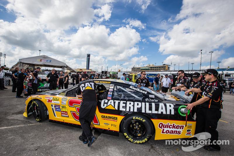 Ryan Newman, Richard Childress Racing Chevrolet teknik incelemede