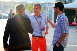 (Da sinistra a destra):  Carlos Sainz, con David Coulthard, Consulente Red Bull Racing e Scuderia Toro / commentatore televisivo BBC e il pilota Mark Webber, Porsche Team WEC