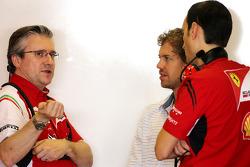 Pat Fry, Scuderia Ferrari, Director técnico y Sebastian Vettel