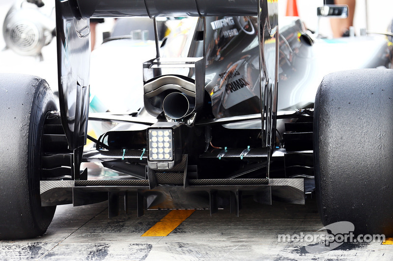 Nico Rosberg, Mercedes AMG F1 W05 rear suspension sensor detail