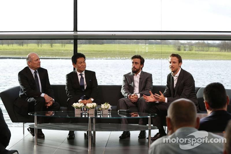 Yasuhisa Arai, Capo di Honda Motorsport, Jenson Button, Fernando Alonso e Ron Dennis, Presodente e C