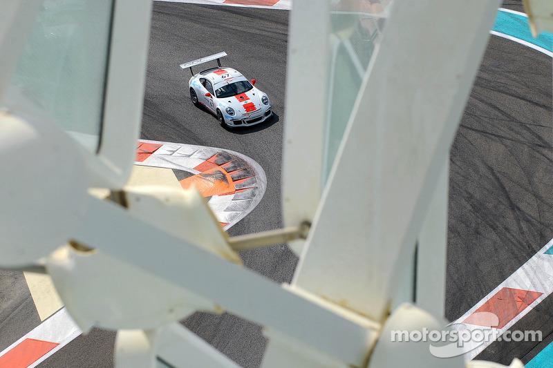 #67 GDL Racing Porsche 991 GT3 Cup: Nicolas Vandierendonck, Rob Thomson, Yusif Bassil