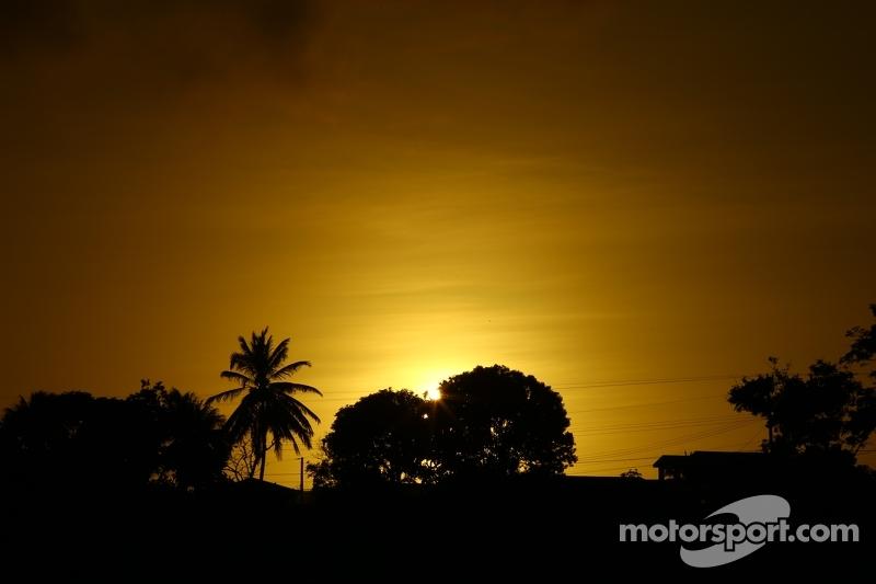 Il sole tramonta sulle Barbados
