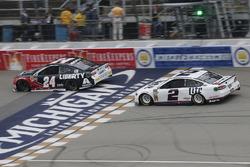 Brad Keselowski, Team Penske, Ford Fusion Miller Lite William Byron, Hendrick Motorsports, Chevrolet Camaro Liberty University