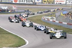 Alan Jones, Williams FW07B-Ford Cosworth,  leads René Arnoux, Renault RE20, Jacques Laffite, Ligier JS11/15-Ford Cosworth, Carlos Reutemann, Williams FW07B-Ford Cosworth, Jean-Pierre Jabouille, Renault RE20, leads Nelson Piquet, Brabham BT49-Ford Cosworth, Bruno Giacomelli, Alfa Romeo 179B, Gilles Villeneuve, Jody Scheckter, both Ferrari 312T5, Mario Andretti, Lotus 81-Ford Cosworth, John Watson, McLaren M29C-Ford Cosworth, Didier Pironi, Ligier JS11/15-Ford Cosworth, Elio de Angelis, Lotus 81-Ford Cosworth, Riccardo Patrese, Arrows A3-Ford Cosworth, Jean-Pierre Jarier, Tyrrell 010-Ford Cosworth, Eddie Cheever, Osella FA1-Ford Cosworth,  and Nigel Mansell, Lotus 81B-Ford Cosworth,  at the start