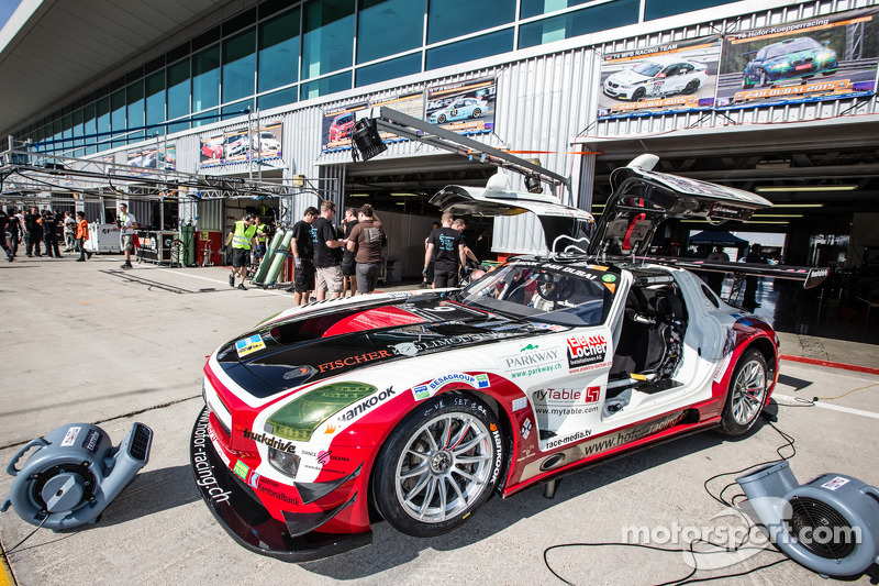 #9 Hofor-Racing Mercedes SLS AMG GT3