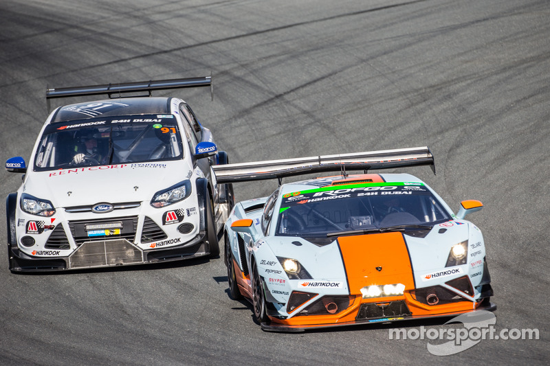 #69 Gulf Racing UK Lamborghini Gallardo LP560 GT3: Roald Goethe, Stuart  Hall,
