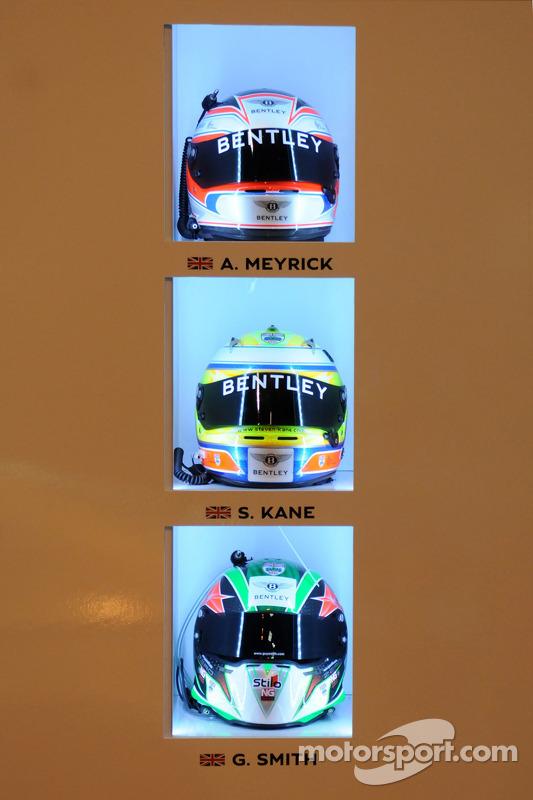 Capacetes dos pilotos da Bentley