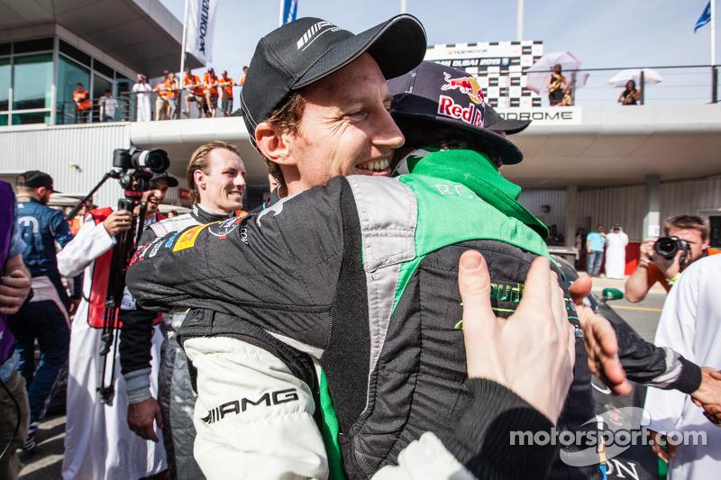 Race winner Abdulaziz Al Faisal celebrates with Thomas Jäger
