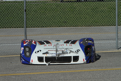 Il corpo danneggiato della #50 Fifty Plus Racing Endures for a Cure/Highway to Help Race Team Riley