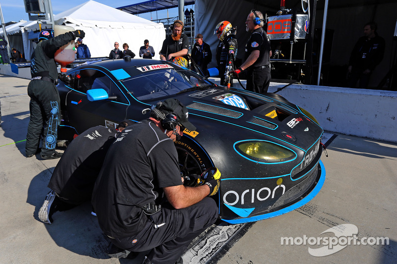 #009 TRG-AMR, Aston Martin V12 Vantage: Derek DeBoer, Robert Doyle, Mark McKenzie