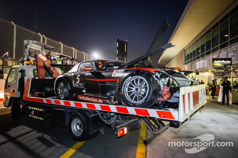 #5 Car Collection Motorsport Mercedes SLS AMG GT3 setelah kecelakaan fatal