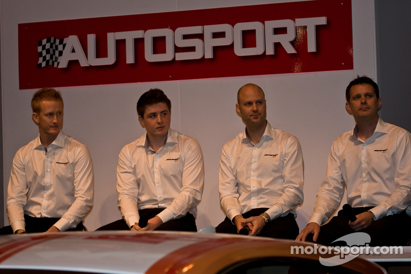 Mclaren Gt Pilotları (Soldan): Ross Wylie, Andrew Watson Rob Bell ve Andrew Kirkaldy