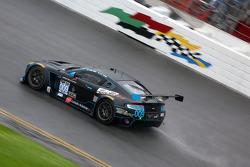 سيارة أستون مارتن فينتج رقم 9، ديريك بيبوير، روبرت دويل، مارك ماكنزي
