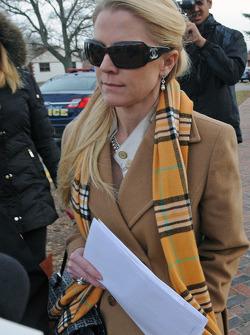 Patricia Driscoll, Kurt Busch aleyhine saldırı suçundan sonra Kent Country adliyesinden ayrılıyor