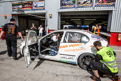 Pit stop para o # 90 Car Ponto S Corrida Schmieglitz Seat Leon Supercopa: Daniel Schmieglitz, Cyndie