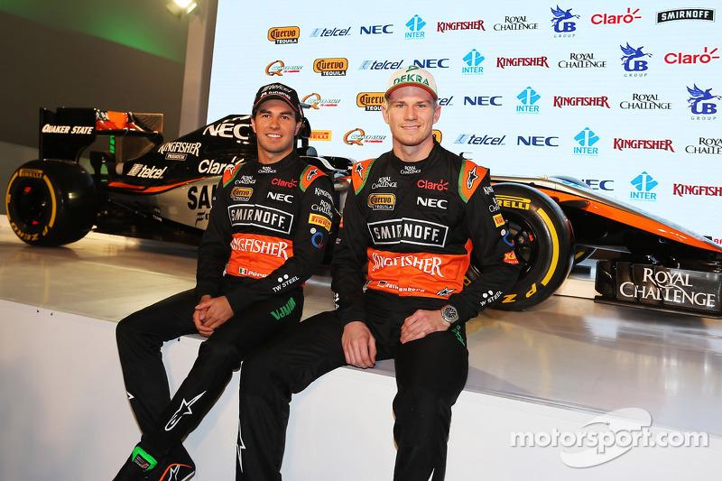 (Von links nach rechts): Sergio Perez, Sahara Force India F1, mit Teamkollege Nico Hülkenberg, Sahara Force India F1