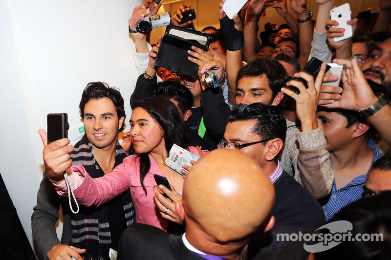 Sergio Perez, Sahara Force India F1, mit Fans