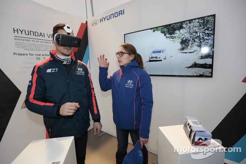 Daniel Sordo testet den Hyundai VR