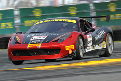 #007,Ontario法拉利458车队的法拉利赛车: Robert Herjavec